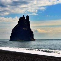 Мыс Dyrholaey (Южная Исландия) :: Олег Неугодников
