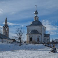 У стен Богоявленской и Рождества Иоанна Предтечинской церквей :: Сергей Цветков
