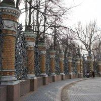 Ограда Михайловского сада :: Елена Павлова (Смолова)