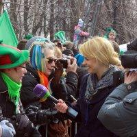 Репортер за  работой. :: Виталий Селиванов