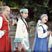Девчонки  бывают разные:Хитрые,Умные, Странные))))) :: Клара