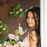 Девушка с цветами :: Надежда Торопова