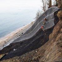 Укрепление береговой зоны Балтийского моря. :: Марина