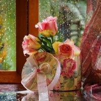 Дома ароматные розы, а за окошком грозы... :: Лара Гамильтон