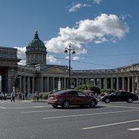 Темно под арками Казанского собора. :: Ольга Лиманская