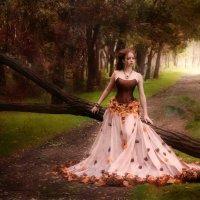 Марафон опавших листьев... :: Марина Макарова