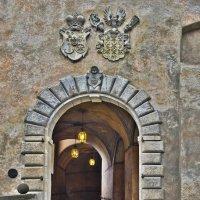 рано, вход в Замок ещё закрыт :: Petr Popov