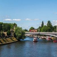 Река Уз и мост Лендал :: Valentina M.