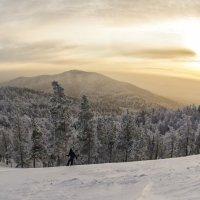 Winter evening in the mountains/зимний вечер в горах :: Dmitry Ozersky