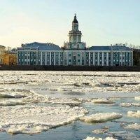 Город,река и лёд :: Владимир Гилясев