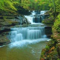 Buttermilk Falls :: Naum