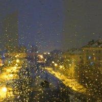 Капли дождя по стеклу. Дробь барабана и лужи... :: Анна Приходько