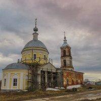 Храм в с.Ославское :: Сергей Цветков