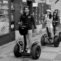 Ино-туристы на улицах Праги :: Николай Ярёменко