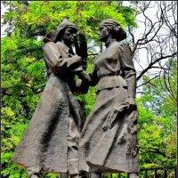Азов. Памятник о любви во все времена :: Нина Бутко