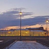 закатное небо над Университетской набережной :: Елена