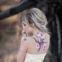 Девушка в лесу :: Любовь Дашевская