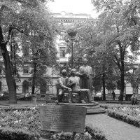 Памятник   Русской   Троице   в   Ивано - Франковске :: Андрей  Васильевич Коляскин