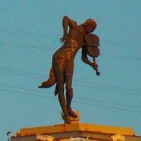 Скрипач на крыше дома. Харьков. :: Любовь К.