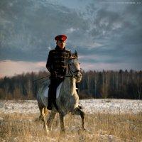 по утреннему снегу :: Виктор Перякин