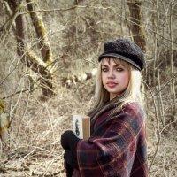 Весна, лес, книга... :: Анастасия Рябова