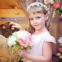 Студийная фотосессия девочки :: марина алексеева