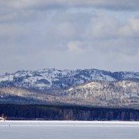 Вид на Потанины горы с озера Иртяш. :: Сергей Адигамов