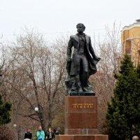 Март,А.С.Пушкин на ростовском бульваре... :: Тамара (st.tamara)