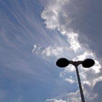 Фонарь и небо :: Alexander Andronik