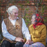 Старость не может защитить от любви, но любовь легко защитит от старости :: Инна Голубицкая