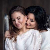 Одно целое, мама и дочь :: Любовь Б