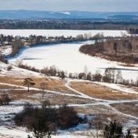 В долине замёрзшей реки :: Анатолий Иргл