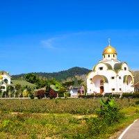 православный храм на о. Пхукет :: Екатерина Самохина