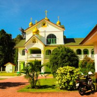 языковая школа в православном храме на о. Пхукет :: Екатерина Самохина