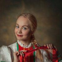 Заплетала девка косу :: Olga Burmistrova