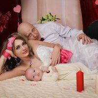 Семья-это счастье, и чтобы ее сохранить, необходимо трудиться) :: Александра Чимишлиу