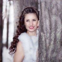 У дерева :: Екатерина Волк