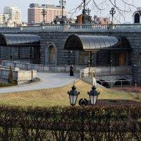 Вход в цокольный этаж Храма Христа Спасителя. :: Татьяна Помогалова