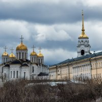 Успенский собор в начале апреля :: Dimirtyi