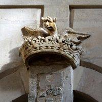 Летучая мышь на короне. :: ИРЭН@ Комарова