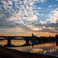 Утро в городе :: Алексей Белик