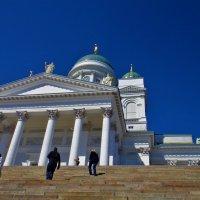 Подняться к Собору Святого Николая... :: Sergey Gordoff