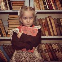 Жалко расстоваться с книжкой :: Екатерина Волк
