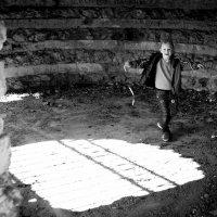 Бег в гротте :: Валерий Серегин