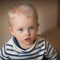 Взрослый взгляд ребенка :: Евгения К