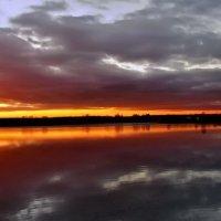 Закат над водохранилищем :: Лара Симонова
