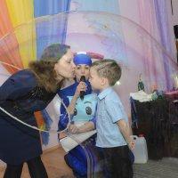 поцелуй для мамы в день рождения сына :: Ольга Русакова