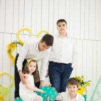 Три брата и сестра :: Ирина Вайнбранд