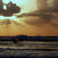 Солнце за облаками. :: Пётр Беркун