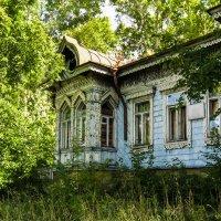 Старая школа в Калязине. :: Владимир Безбородов